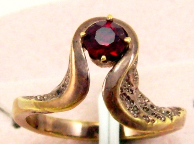 Antique rose gold plated gemstone Ruby red  woman lady cocktail ring sz 8