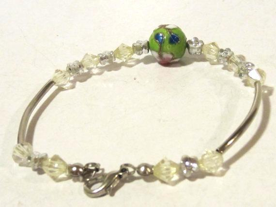 Lovely bracelet with cloisonne bead charm