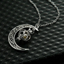 Crescent Necklace (14524) >> Mystery Item Included - $2.97