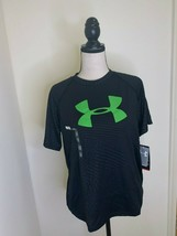 under armour boy Tshirt loose fit 12337024 Black YXL MSRP$25 - $19.80
