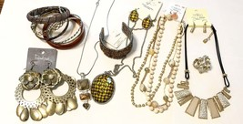 Jewelry lot  fall vintage fashion jewelry no broken pieces crystal neckl... - $22.00