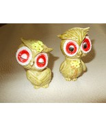 GREENISH BROWN OWLS S & P SET W/ BIG RED EYES BOTH HAVE 3 YELLOW FLOW - $8.50