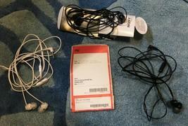 SONY MDREX14AP/B6 Black and White Earbud Headphone w/ Mic, Noise Isolation - $131,49 MXN
