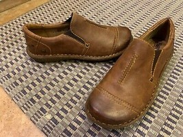 BORN NOLEY W62448 BROWN LEATHER LOAFERS 8 39 M CASUAL SLIP ONS FLATS NEW - $58.50