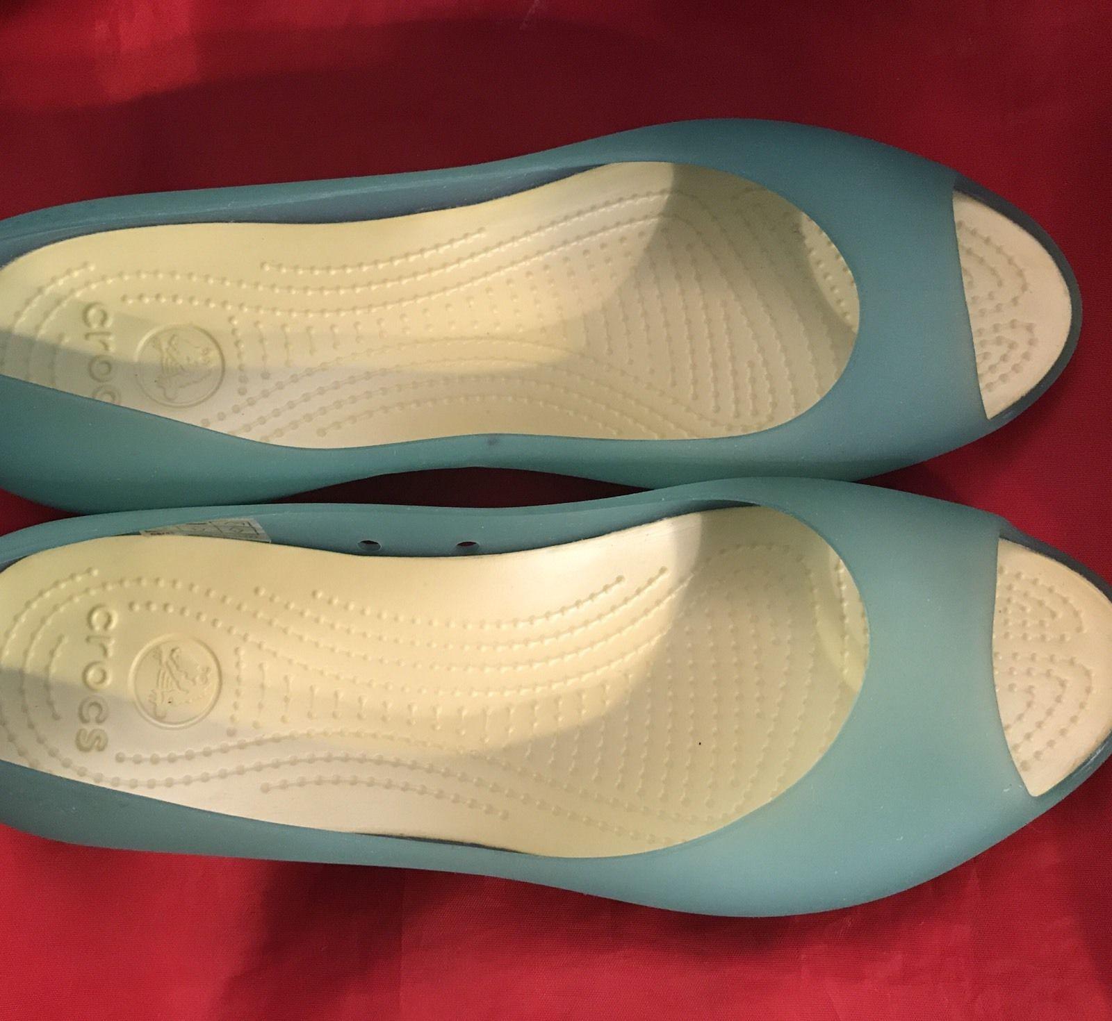 51dbcfb67ecb1c Crocs Carlie Lemon-Lime Green Peep Toe Ballet Flats Women s Size 11