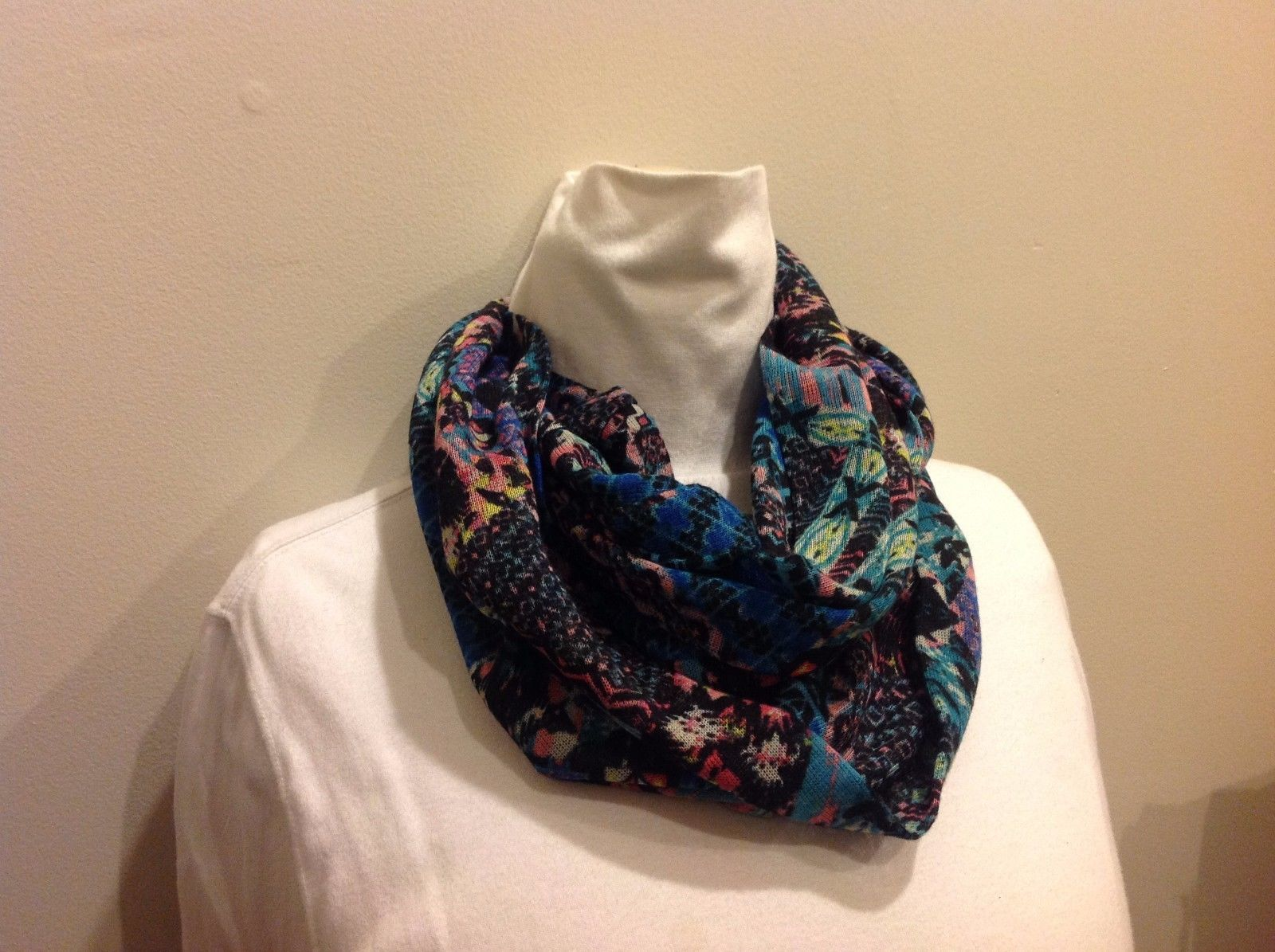 Abstract Multicolor Infinity Scarf