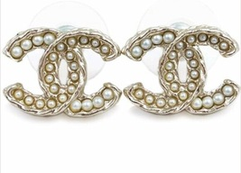 AUTHENTIC  CHANEL PEARL CC LOGO GOLD STUD EARRINGS