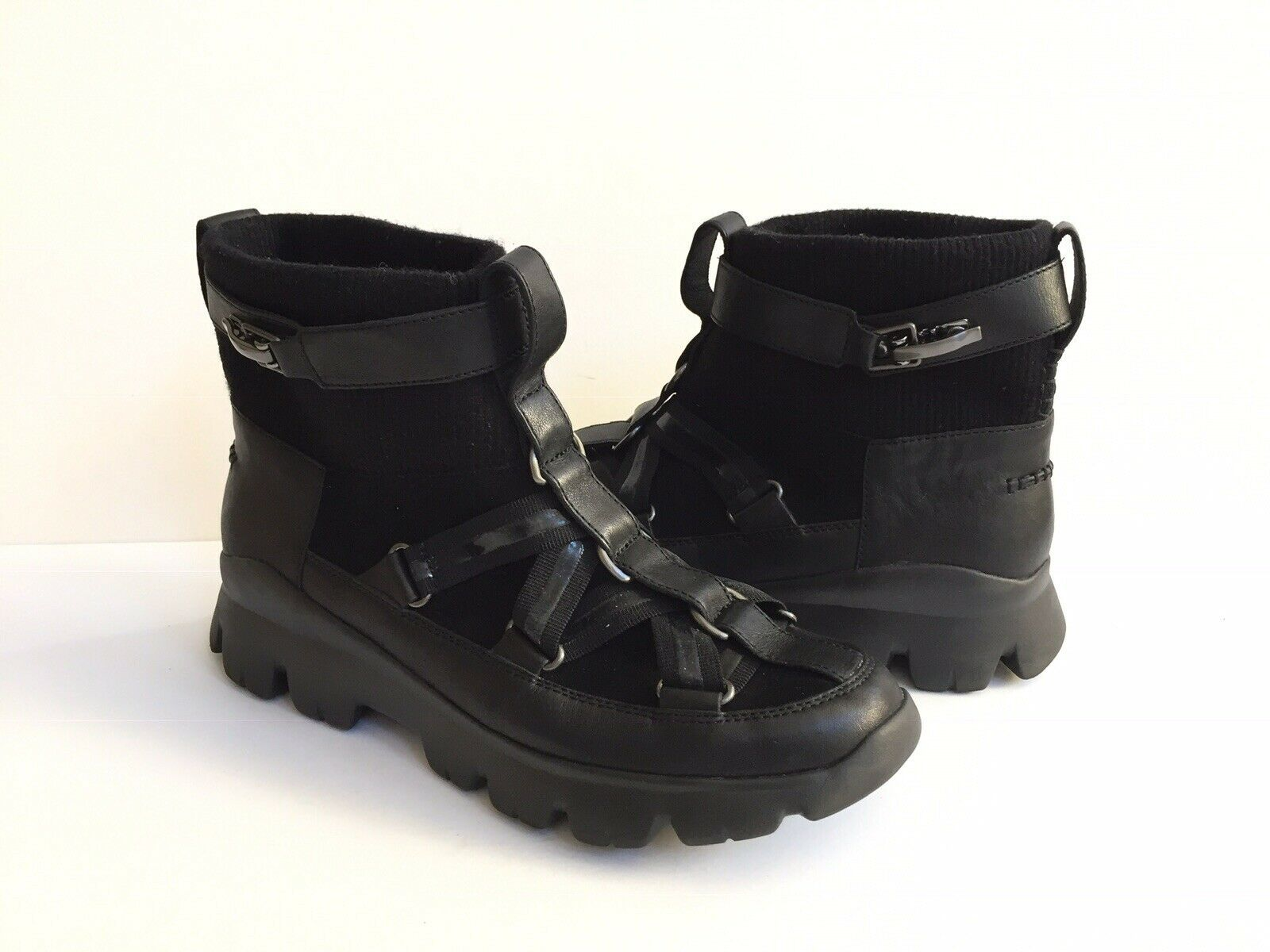 UGG PUFF MOMMA LAKES & LIGHTS BLACK WINTER FUR SNEAKERS US 11 / EU 42 / UK 9