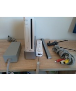 Nintendo Wii Console RVL-001 Bundle ***FOR PARTS OR REPAIR*** - $50.00