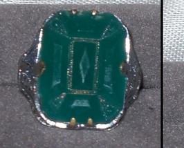 1920s Era Green Molded Glass Stone Ring - $12.50
