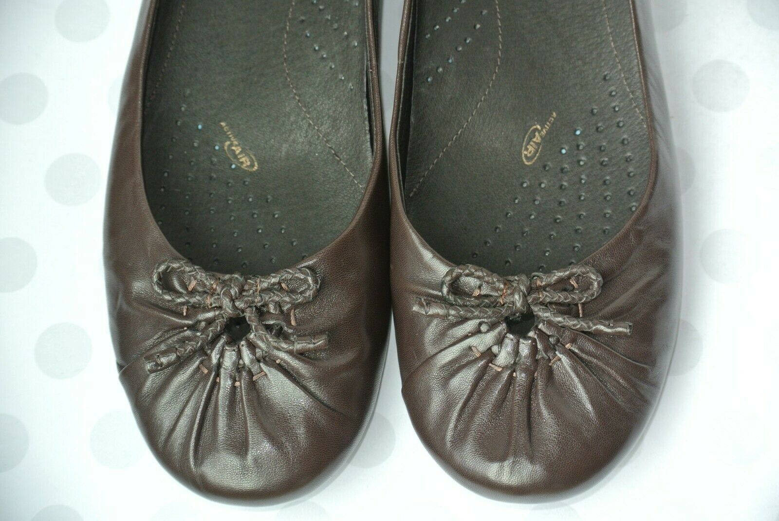 Clarks Womens Sz 9 M Brown Leather Slip On Bow Loafers Flats NICE!!