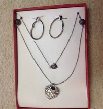 NECKLACE PIERCED EARRINGS SET NEW IN BOX CRYSTAL RHINESTONES SILVER HEART - $18.66