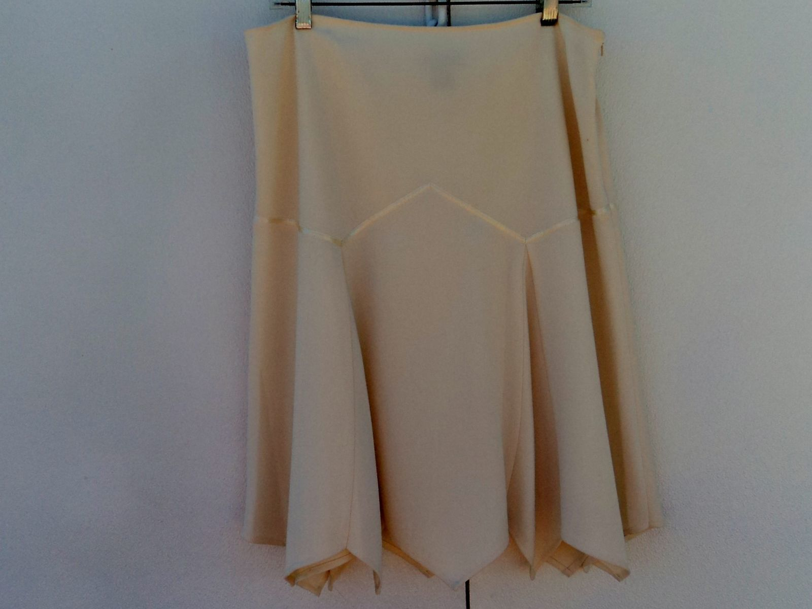Mac & Jac Asymmetrical Skirt Lined Cream Polyester Rayon Female 12 Solid