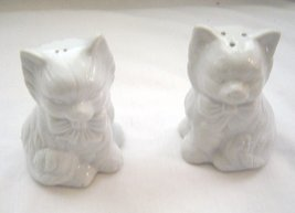 Vintage White Cats with Bows Salt and Pepper Shakers - $12.99