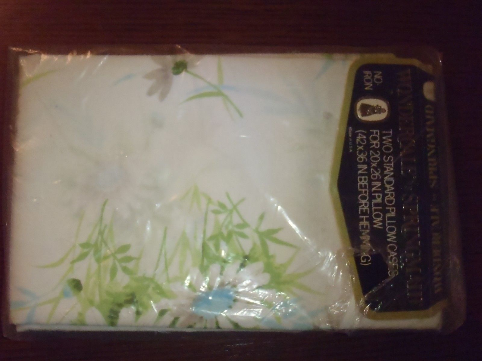 Wondercale Springmaid Daisy Floral Vintage Pillowcases Standard NEW NOS 42x36