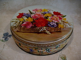 Vintage W & R JACOB Biscuits Cookie Tin FLOWER BASKET Souvenir Collector - $24.95