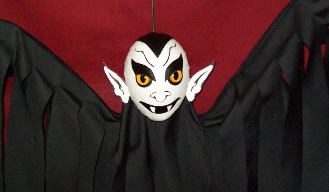 Halloween Hanging Vampire Flyer VAMPY, Hand-Crafted