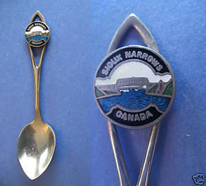 SIOUX NARROWS Ontario Souvenir Collector Spoon Vintage CANADA Collectible