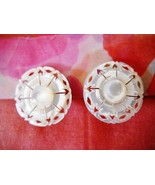 STUNNING VINTAGE HAND-CARVED MOP BUTTON HUGGIE CLIP-ON EARRINGS - $10.99