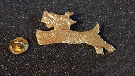 gold running dog with clip on rear Pin ,Badge / tie pin unisex