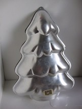 Wilton Cake Pan 1986 Christmas Tree Holiday 2105-9410 Baking Mold - $11.29