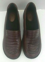Clarks Artisan Womens Slip On Loafers Size 7M Brown - $23.75