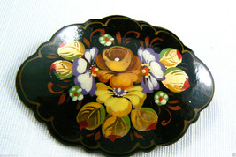 HAND PAINTED FLOWERS BLACK LAQUER MADE IN RUSSIA PIN BROOCH  SIGNED - $35.64