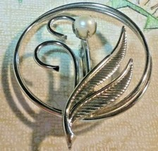 """Vintage Jewelry: 1 3/4"""""""" Silver Tone Faux Pearl Broach 2016101918 - $6.92"""