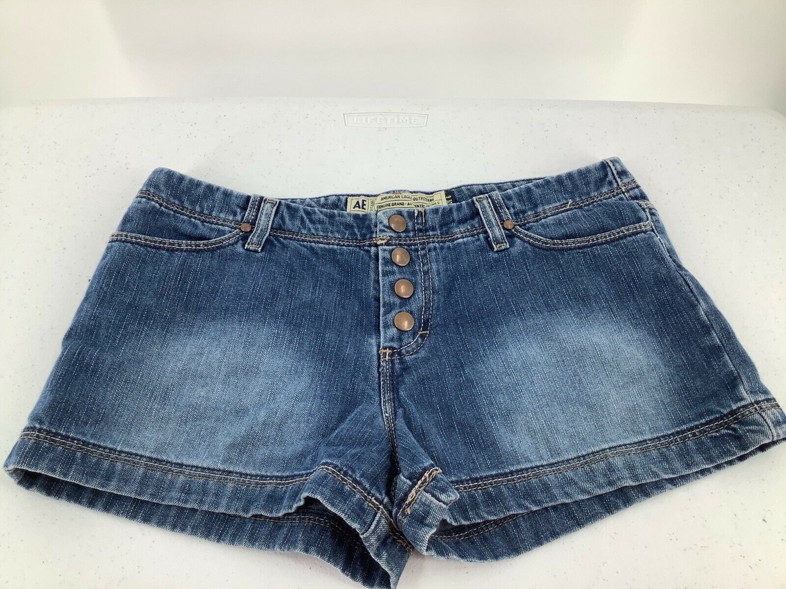 Primary image for American Eagle Women Size 6 Shorts Denim Med Blue Snap Buttons Shaded