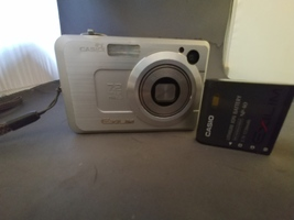Casio Exilim Zoom EX Z750 7.2 MegaPixel Digital Camera - $12.50