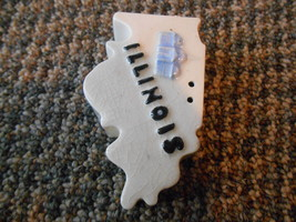 Old Vintage Illinois State Shaped Salt Pepper Spice Souvenir Shaker PalM... - $9.99
