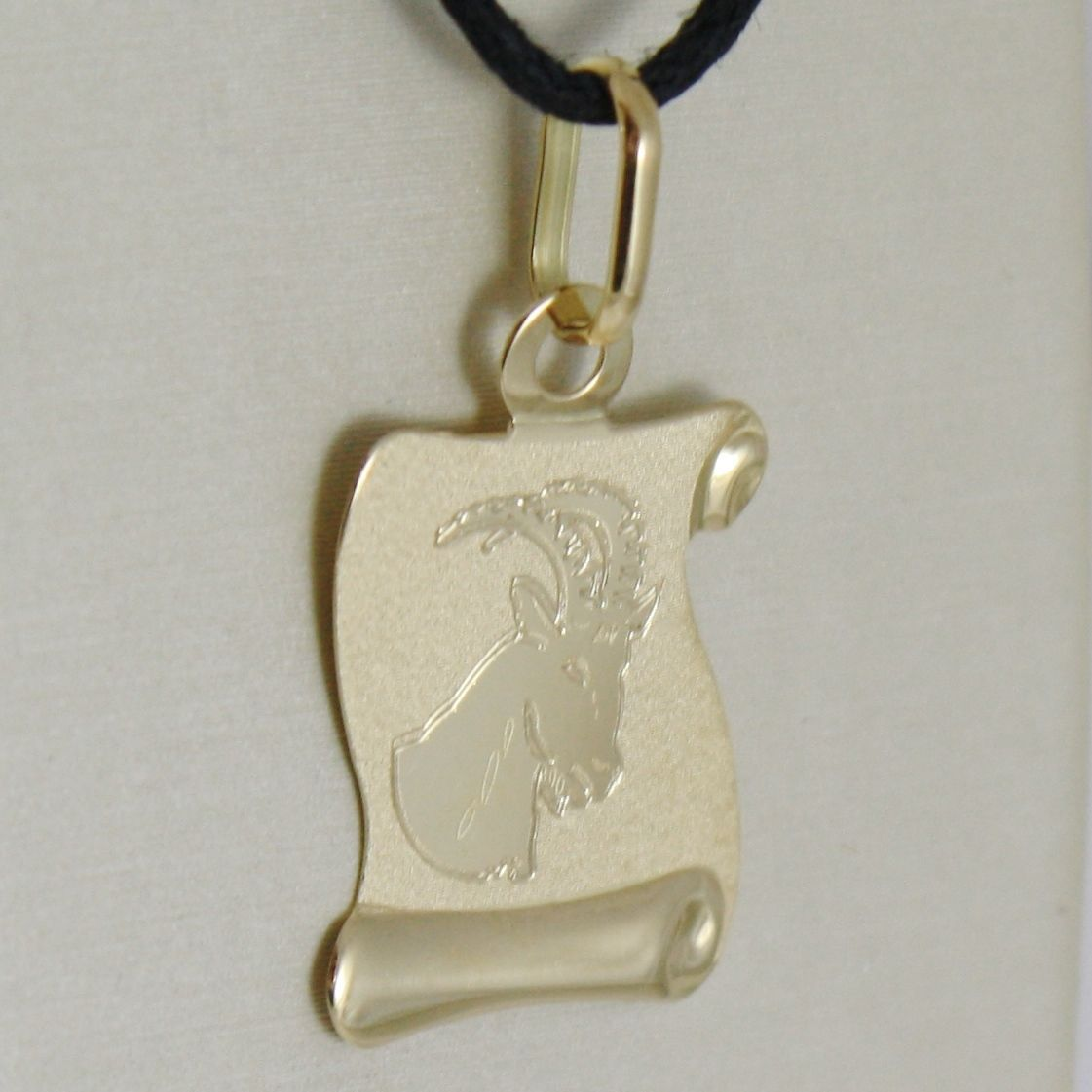 18K YELLOW GOLD ZODIAC SIGN MEDAL CAPRICORN PARCHMENT ENGRAVABLE MADE IN ITALY