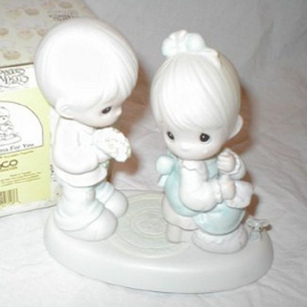 Precious Moments Figurine ~ My Love Blooms for You #521728