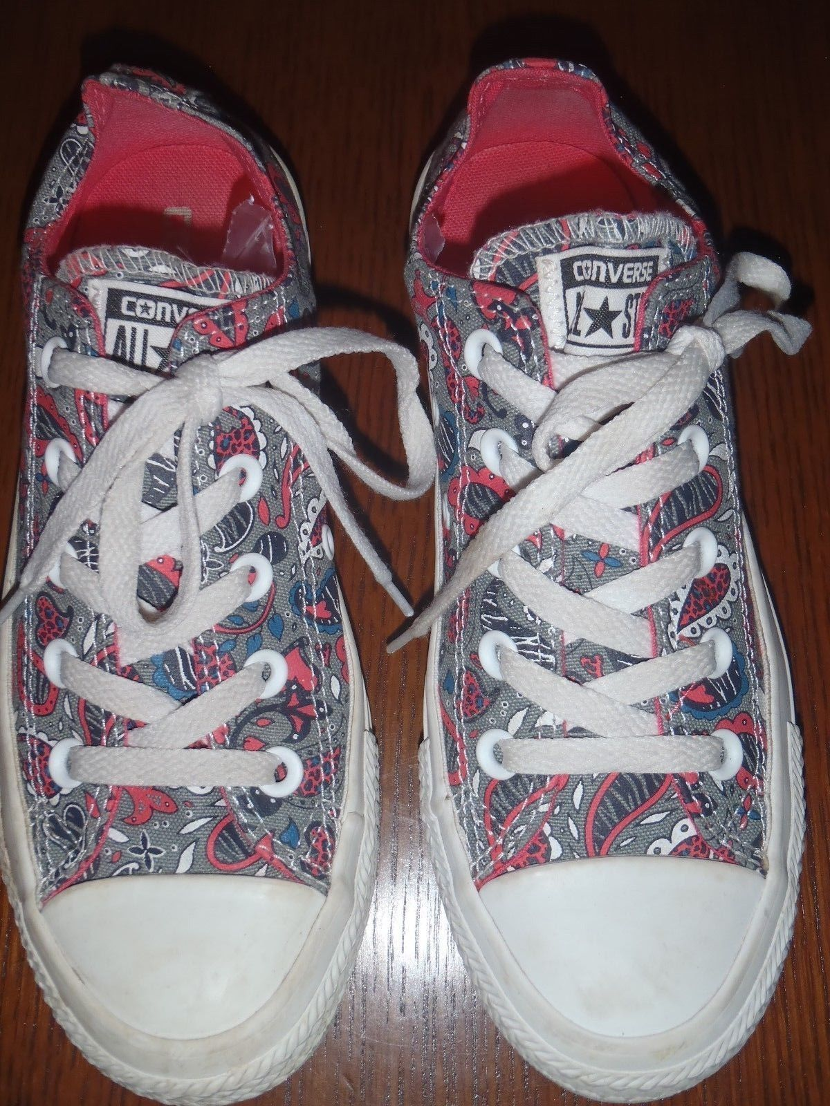 Converse low top pink gray paisley print size 6 W  4 M Sneakers