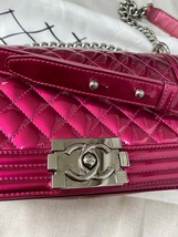 SALE*** Authentic Chanel Boy Metallic Fuchsia Pink Quilted Patent Leather Medium image 4