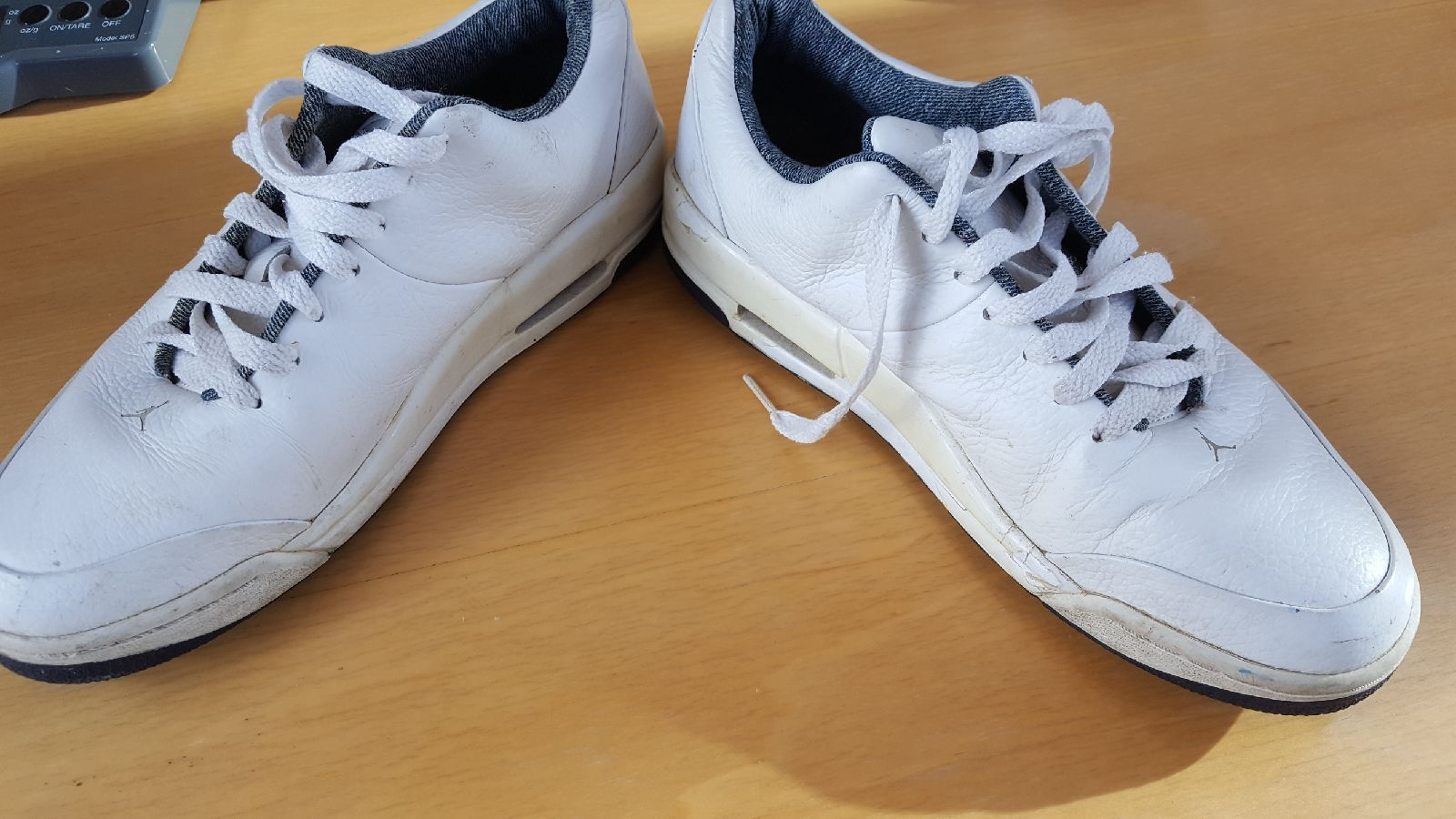 8536123b6b9c40 S l1600. S l1600. Previous. 2006 Mens N ke Air Jordan 23 Classic White  Leather Shoes Size 8.5 313480- · 2006 ...