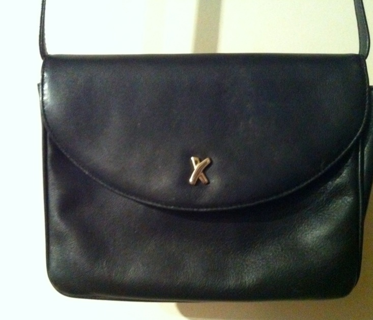 PALOMA PICASSO Made in Italy BLACK LEATHER CROSSBODY BAG snap purse lined  RARE! 8926b3ec9e