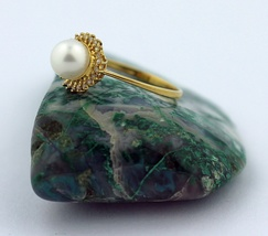 14k Yellow Gold Pearl Ring With Diamonds - $419.00