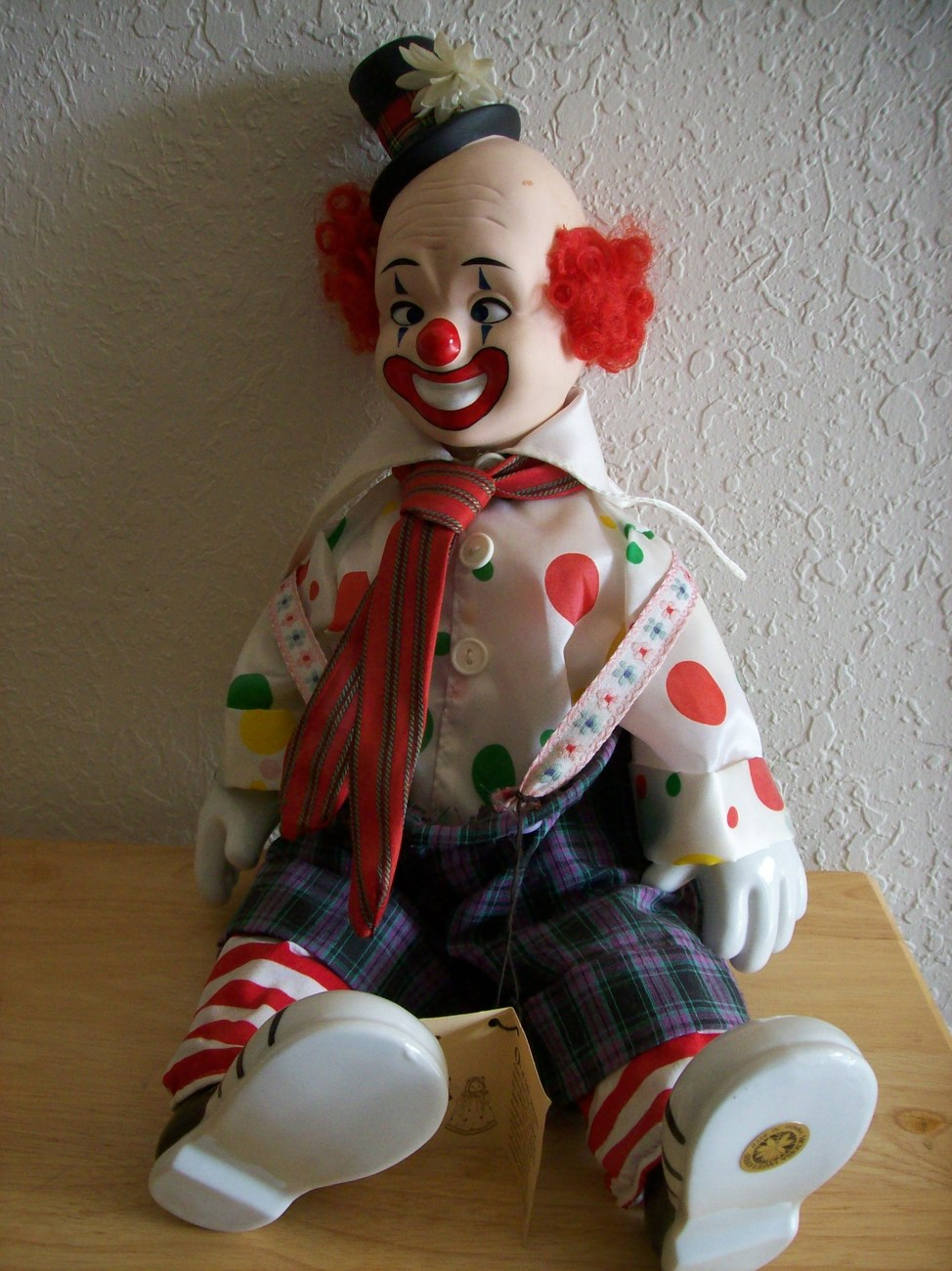 Musical Porcelain Clown by Victoria Collectibles