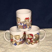 3 Christmas Holiday Coffee Cups Mugs with Teddy Bears Doing Different Ac... - $409,11 MXN