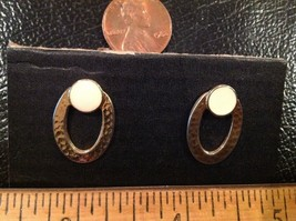 "Earrings Gold Tone 3/4"" Oval, Top has Creme Color Disc, posts - $5.56"