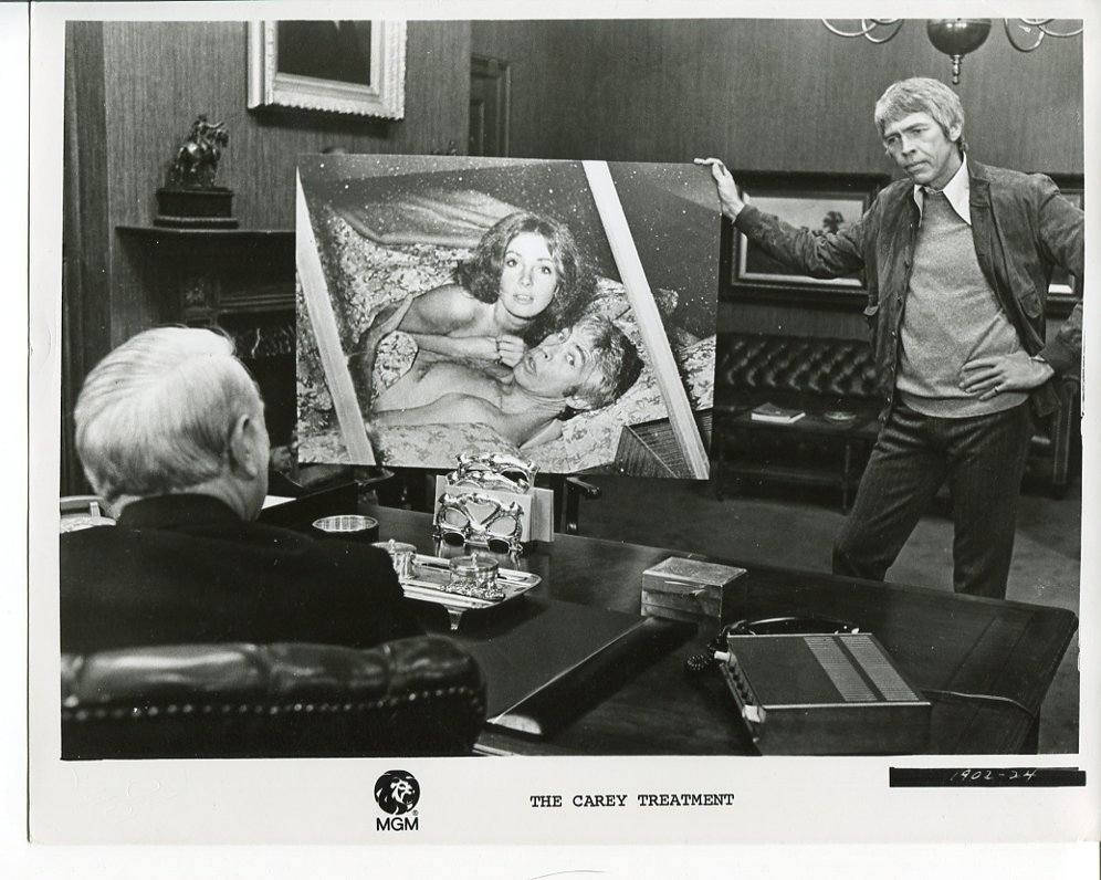 Primary image for Carey Treatment James Coburn Press Photo Movie 1972 Blake Edwards Crichton