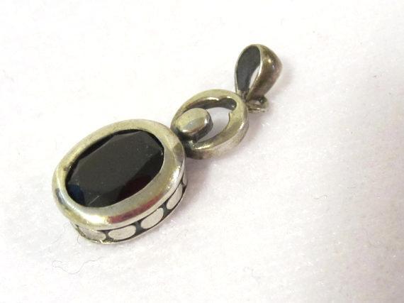 Sterling silver 925 Oval cut Garnet pendant