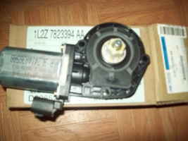 ford explorer  right window motor 1L2Z 7823394 AA - $54.45