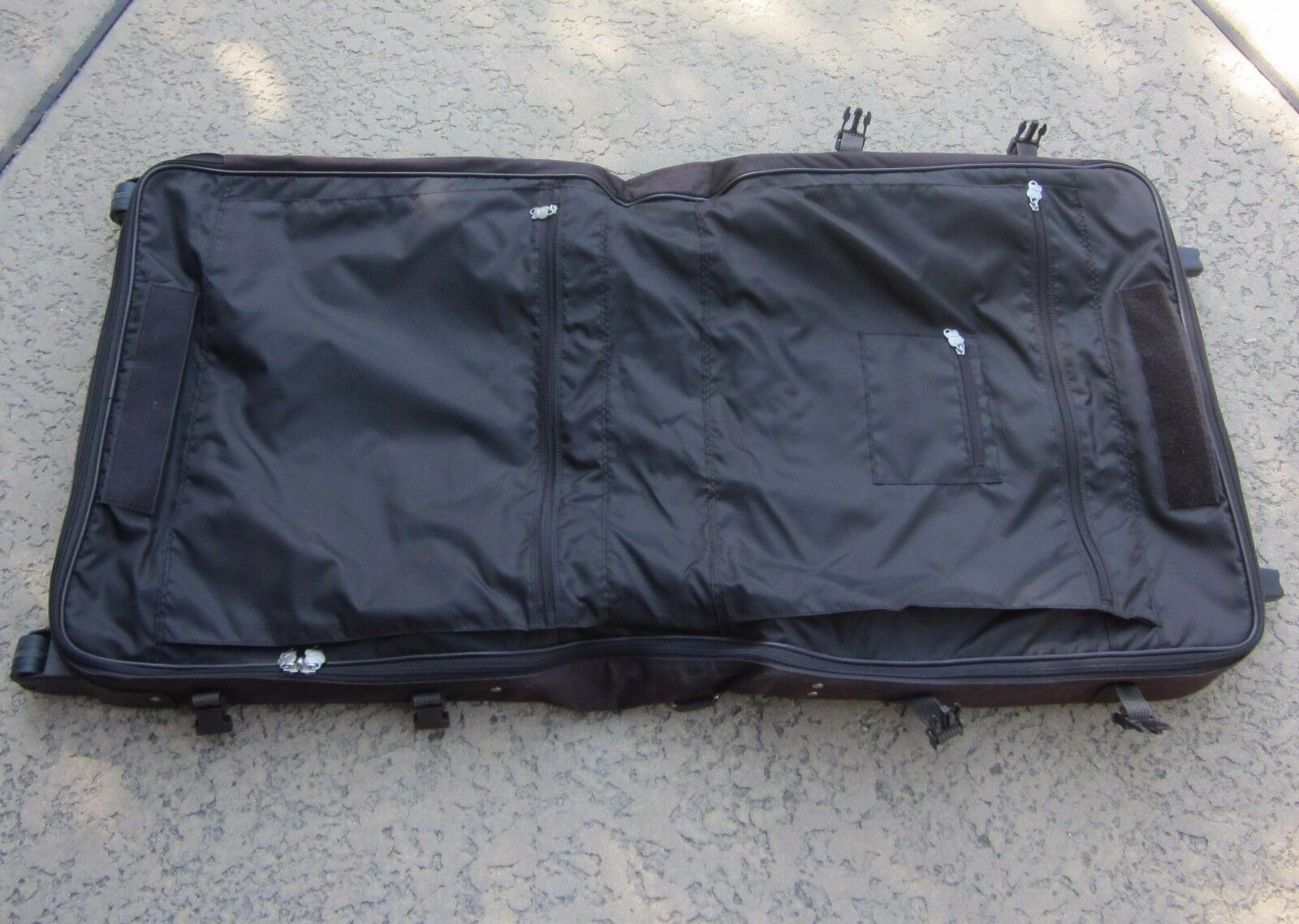 Skyway Luggage Sigma 3 Bifold Garment Bag   Skyway luggage  Skyway Wheeled Garment Bags