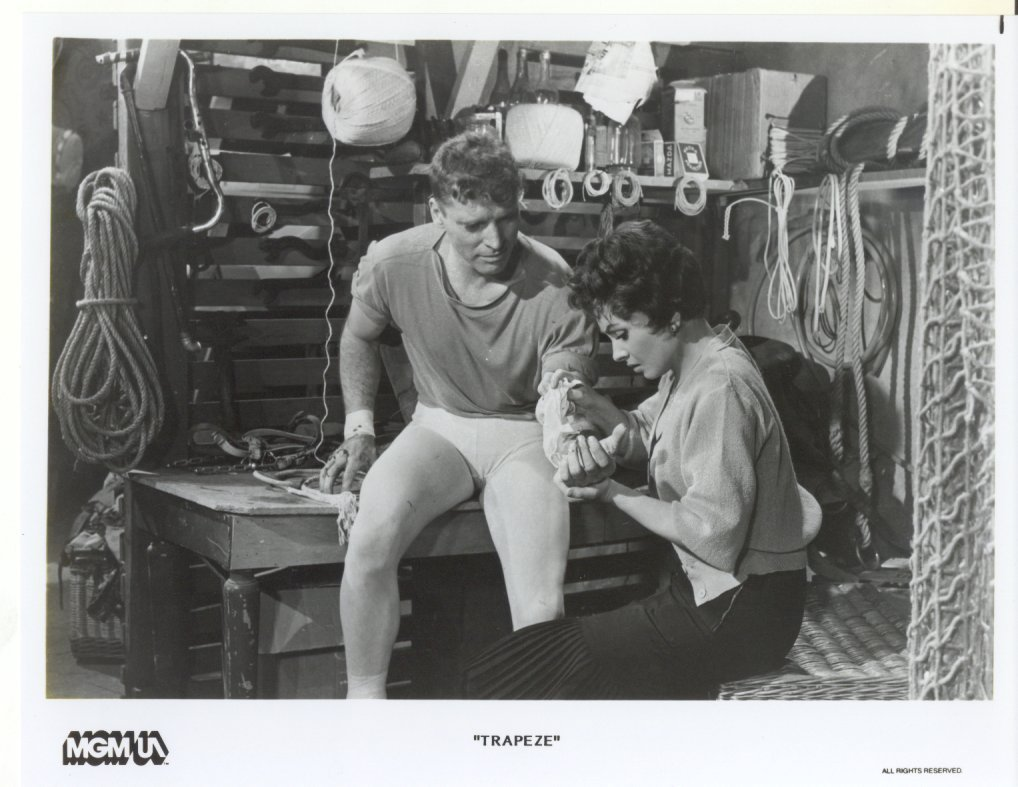 Trapeze Burt Lancaster Gina Lollobrigada Press Promo Publicity Photo Film