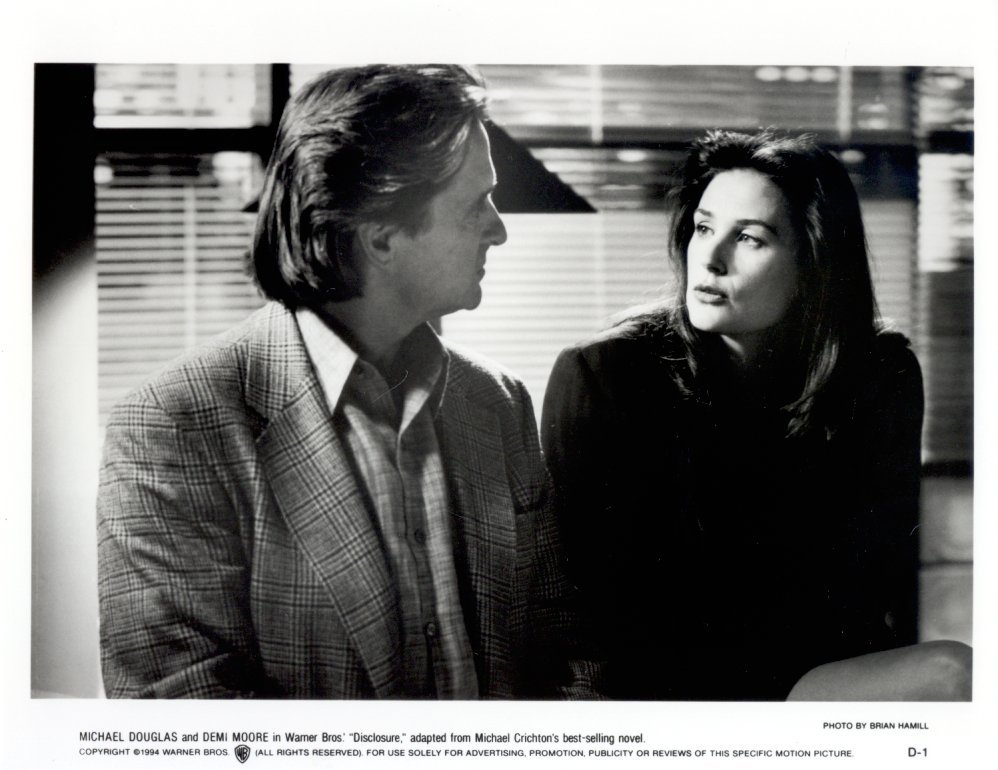 2 Disclosure Demi Moore Michael Douglas 1994 Press Photos Movie Film Crichton