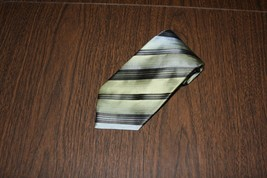 Men Men's Neck Tie Van Heusen Stain Resistant Green Black Striped Silk - $7.84