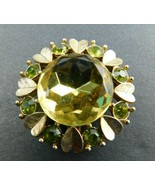 VINTAGE AVON SIGNED CLUSTER BROOCH Gold Tone Hearts Center Faux Stone Pin - $14.69