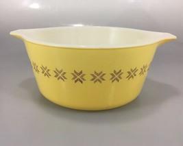 Pyrex Town & Country Yellow 474B Cinderella Mixing Nesting Bowl 1.5 Qt - $33.81